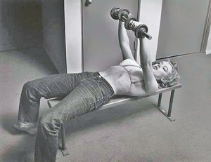 Marilyn Monroe lifting weights
